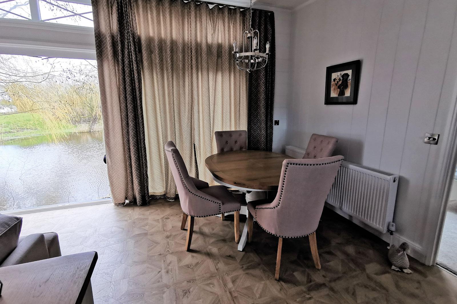 Prestige-Hampton-Lodge-50x22-2