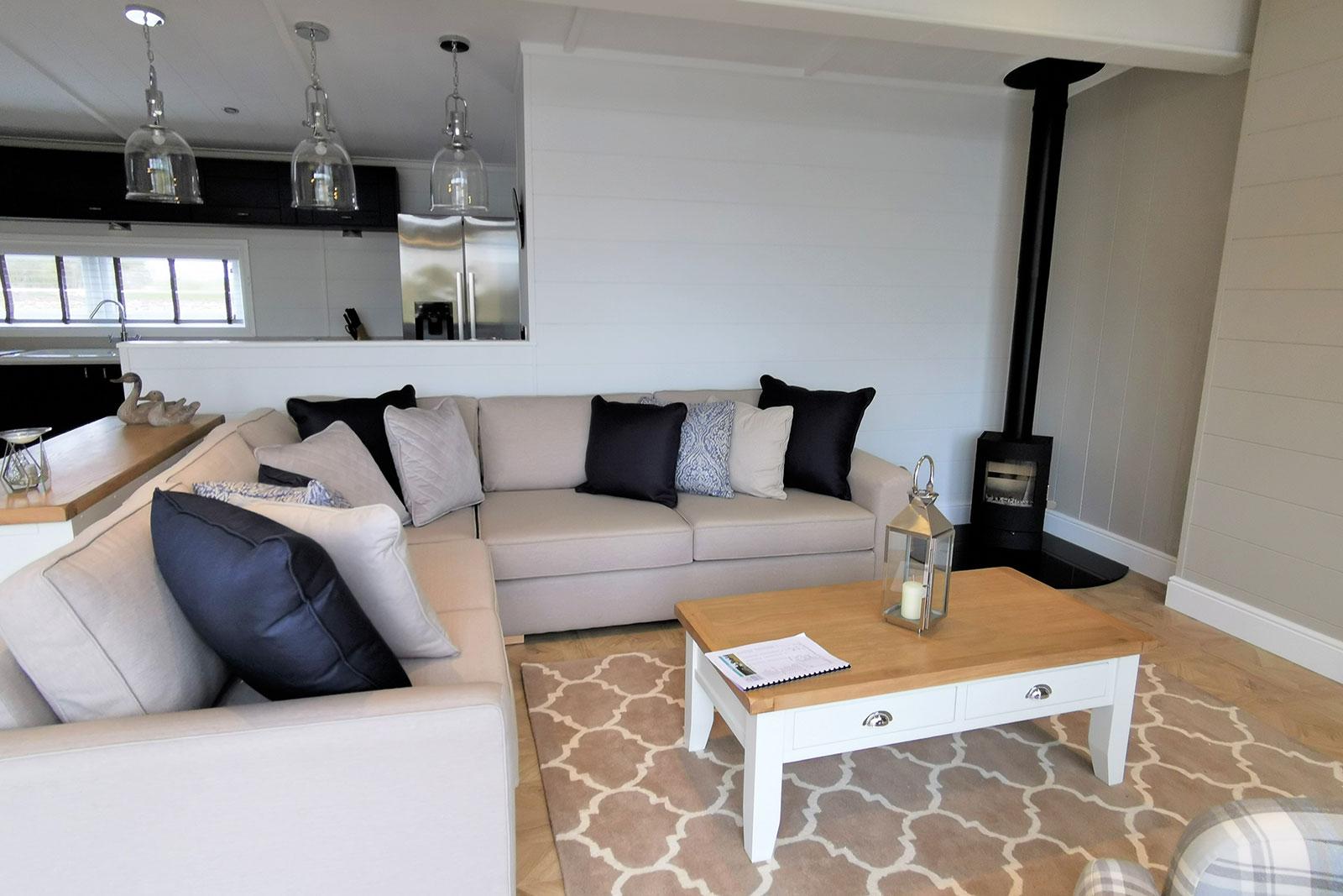 Prestige-Hampton-Lodge-50x22-8